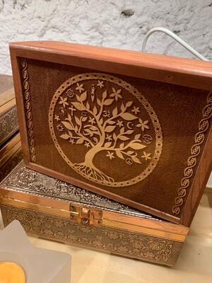 Boîte à tarot «arbre de vie» en bois avec intérieur en velours noir