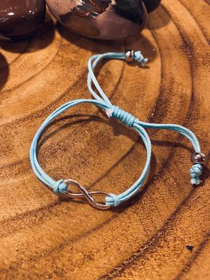 Bracelet infini bleu ciel