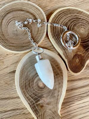Pendule des druides en pierre de lune blanche