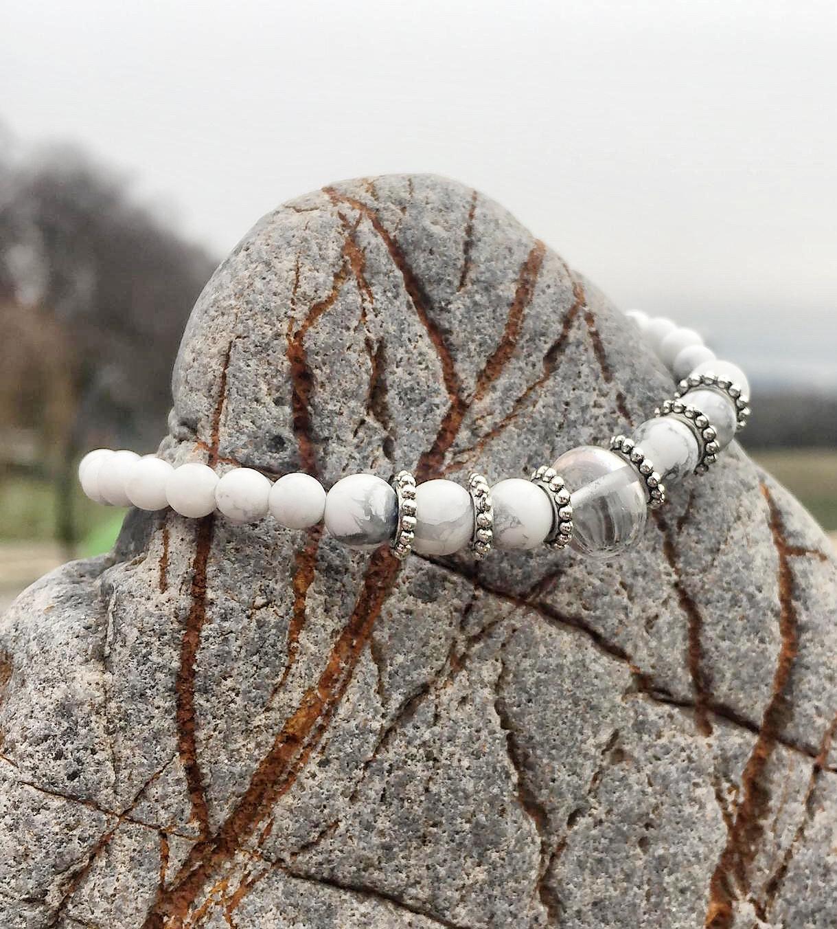 Bracelet « corps de fée no 23» minceur et détox avec magnésite et cristal de roche