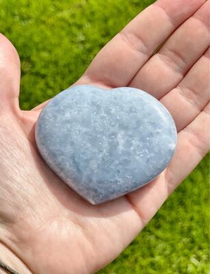 Coeur en calcite bleue n°85