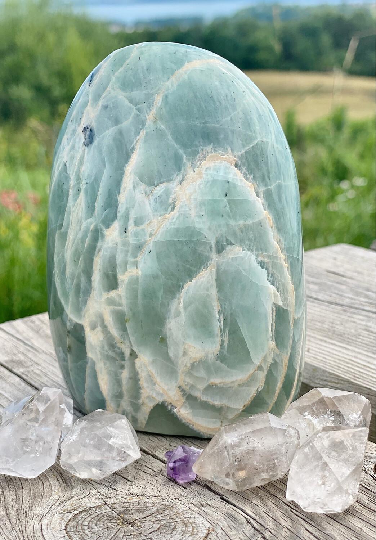 Menhir de pierre de lune verte n°123
