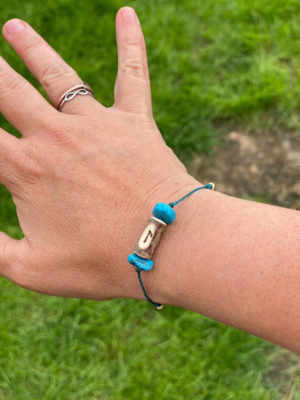 Bracelet «suivre le flot» avec rune Laguz et turquoise