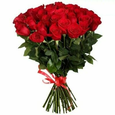 """Букет из 25 роз """"Фридом"""" 50 см высотой"""