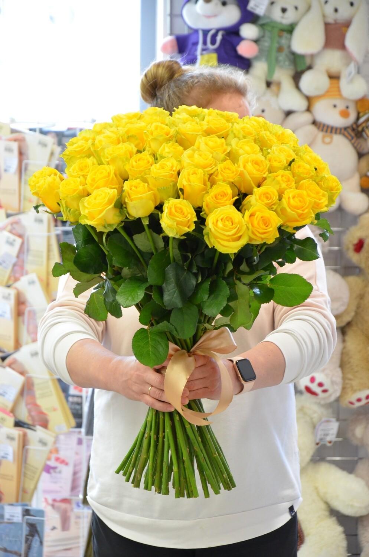 """Букет из 9 роз """"Бикини"""" 50 см высотой"""