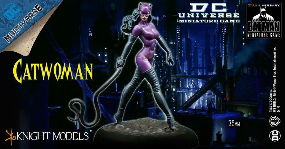 CATWOMAN (MODERN AGE) KNIGHT MODELS