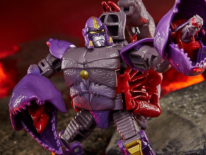Transformers War for Cybertron: Kingdom Deluxe Scorponok