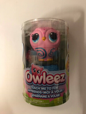 Pink Owleez, Flying Baby Owl Interactive Toy with Lights and Sounds