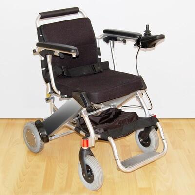 Кресло-коляска с электроприводом, складная, модели «LK 36 B»