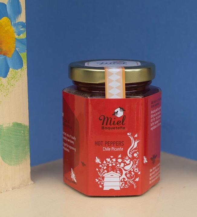 7.5oz Infusion Honey - HOT PEPPERS  (Infusión de Miel con Chile Picante)