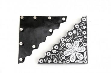Engraved silver corners for showblankets