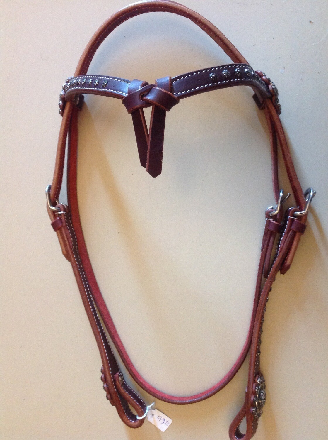 Showheadstall with dots and concho