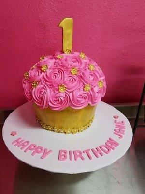 Giant Cupcake Buttercream