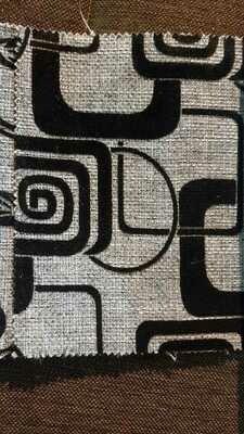 Рогожка с черными квадратами