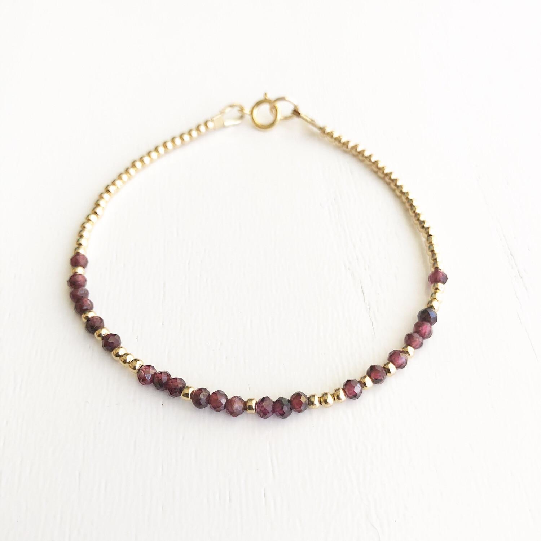 Love REEminder Bracelet - Garnet