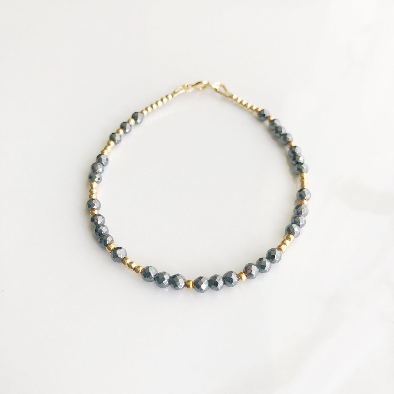 Strong REEminder Bracelet - Hematite