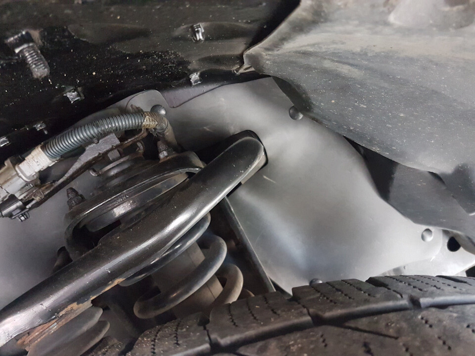 Боковые пыльники двигателя Toyota Land Cruiser Prado 150, 4Runner в 285 кузове