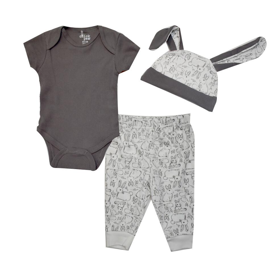 CONJUNTO CHICK PEA - 2 pz body m/c, pantalón y gorra, gris, conejo