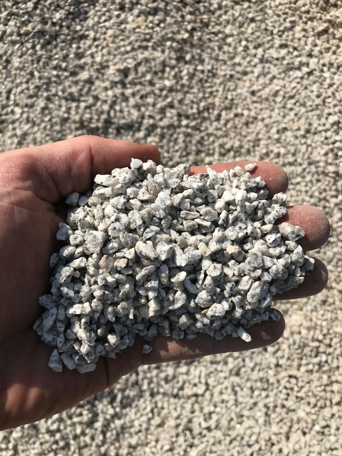 Salt & Pepper Crushed Granite (small)