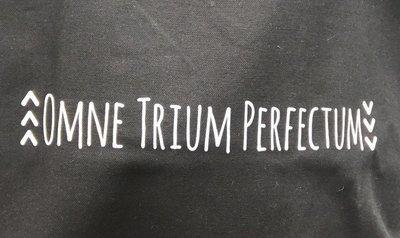 Omne Trium Perfectum (White -arrows)