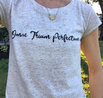 Omne Trium Perfectum (Black-script)