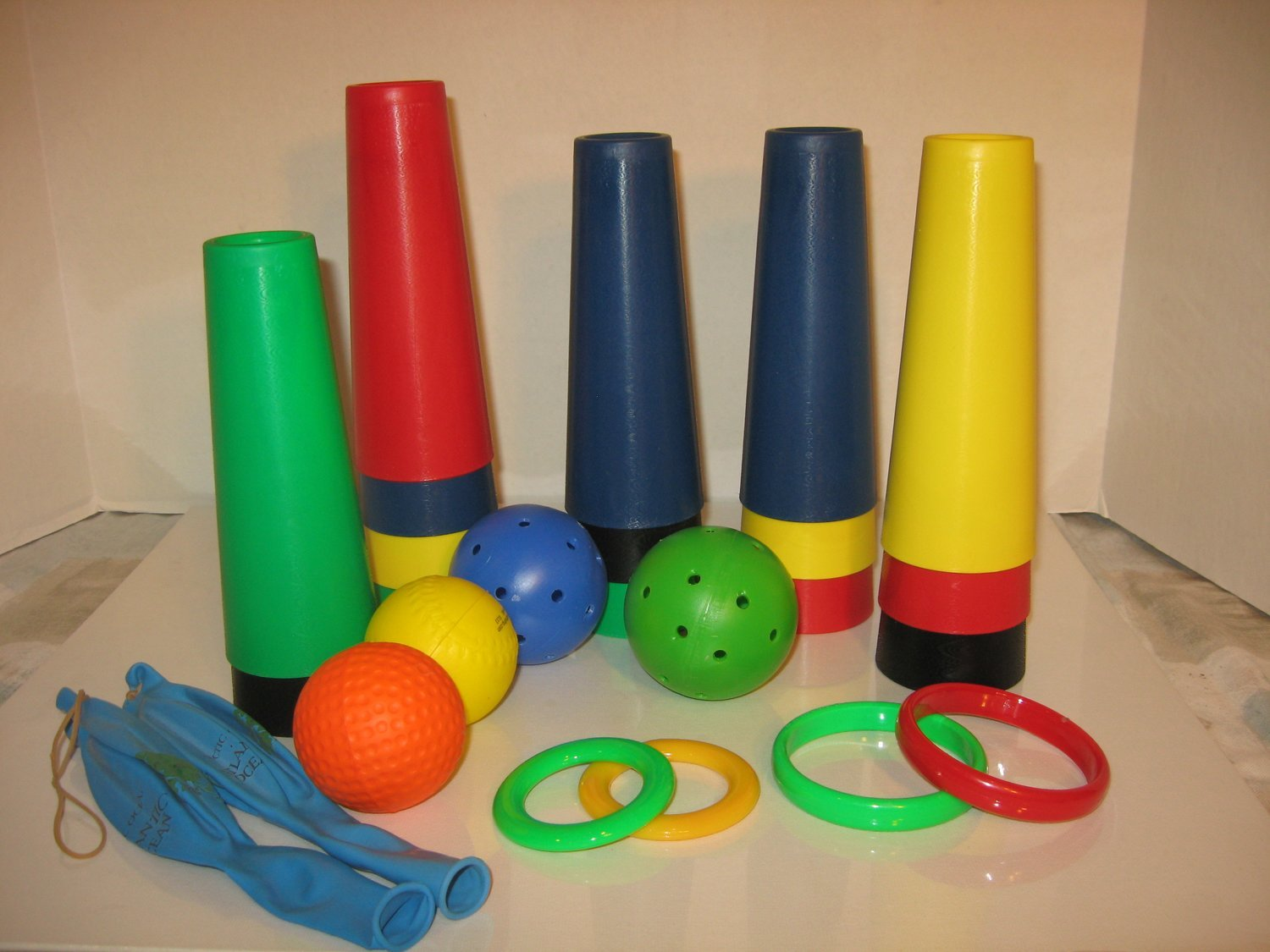 30 Therapy Rehab Cones & 10 Accessories