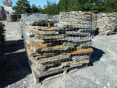 Flagstone (Patio or Walkways) (1 TON PALLET ONLY) COLORS WILL VARY