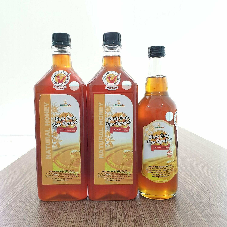 Mua 2 lít mật ong Cao Nguyên Highlandbee được tặng thêm 01 chai mật ong 500ml