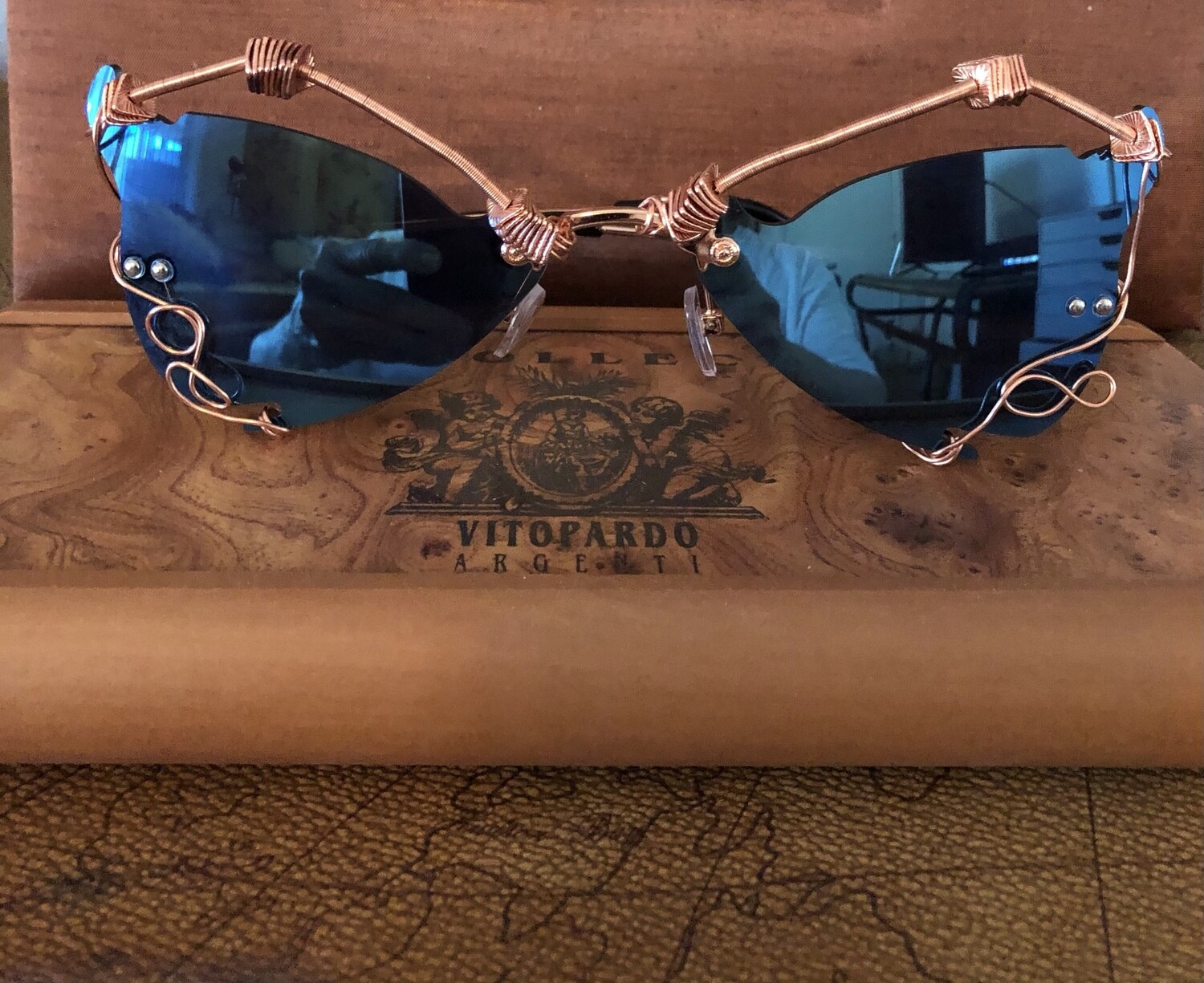 Wire Wrapped Sunglasses Avant-garde Blue mirrored