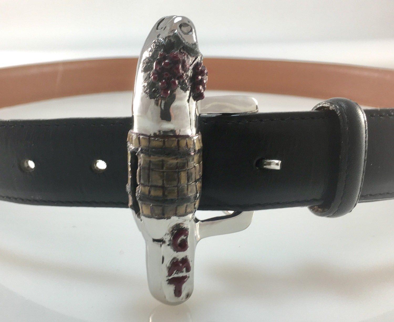 Corkscrew belt buckle
