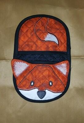 Fox oven mitt machine embroidery in the hoop design
