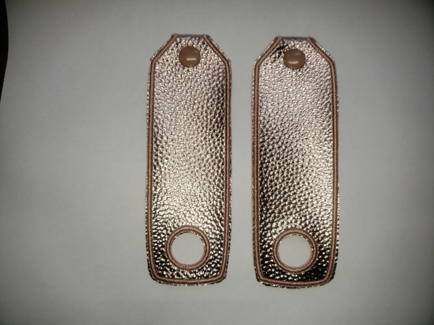 Basic strip Toe guards in gold metallic rts