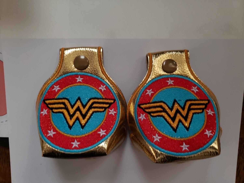 Wonder woman Toe guards in gold metallic