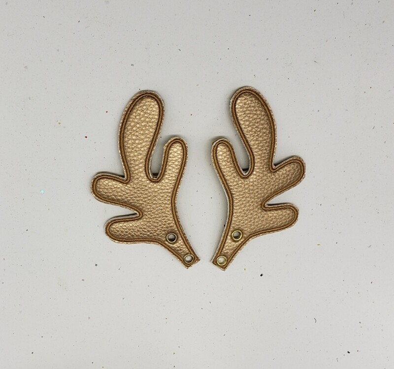 Reindeer antlers skate wings in gold pearly fabric rts