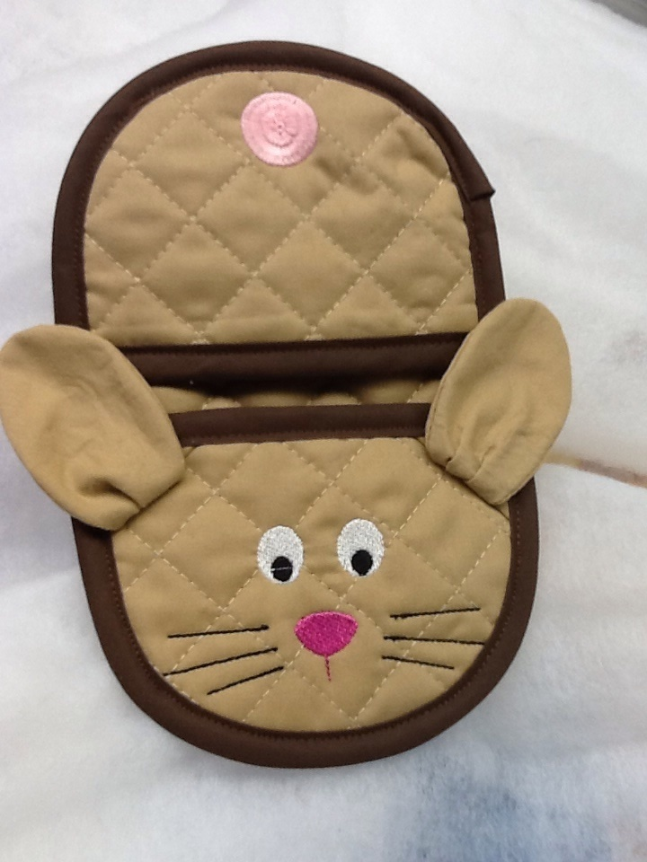 bunny oven mitt embroidery in the hoop