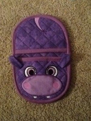 hippo oven mitt embroidery in the hoop