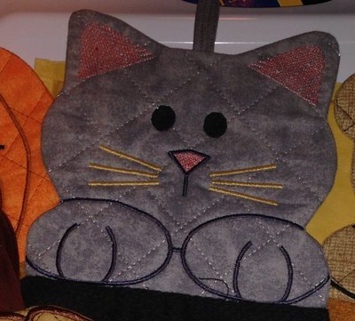 embroidery in the hoop Towel topper Kitty Cat