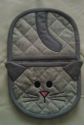 kitty oven mitt embroidery in the hoop