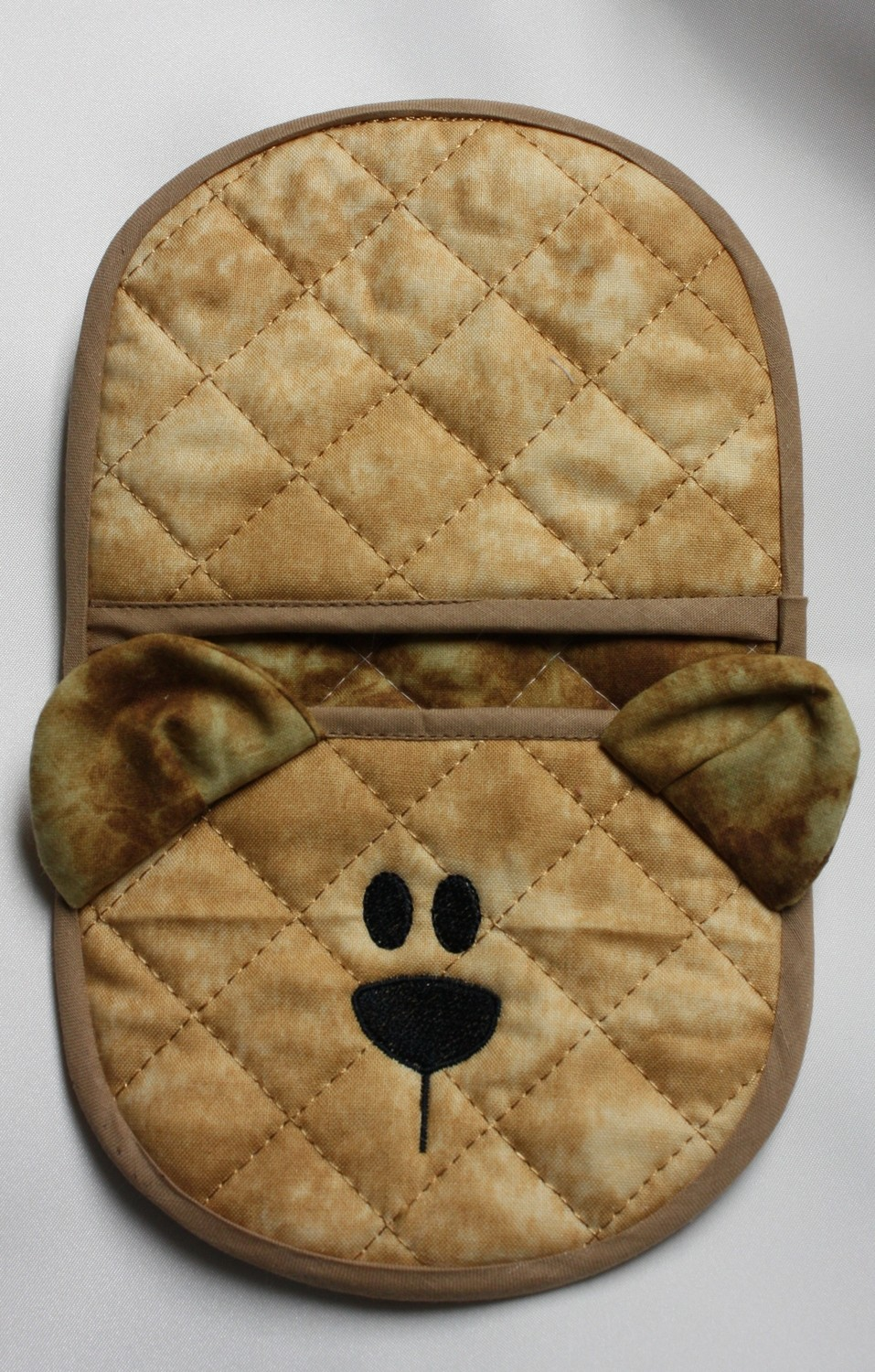bear oven mitt embroidery in the hoop