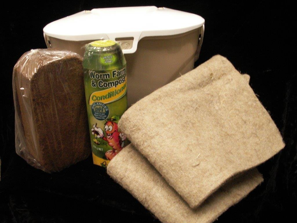 Composting Kit for the Wriggly Wranch
