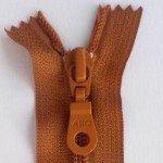 "A B Q Designer Bag Zipper 22"" Leather Brown"