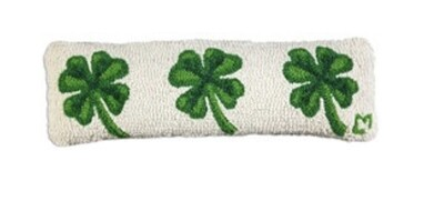 3 Shamrocks pillow