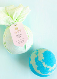 Back in time bath bomb