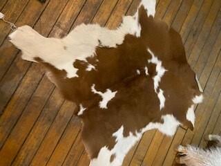 Brown & white small hide (2 x 3)