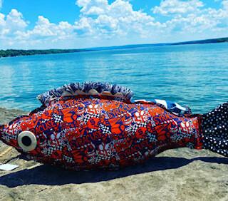 SU fish pillow