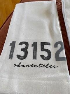13152 Skaneateles towel-low stock