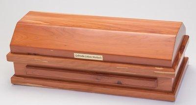Cedar Baby Casket  (20 inch interior)    C-20-Ced