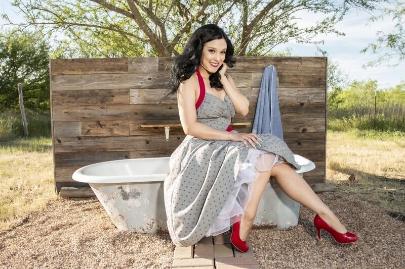 Stella B - Outdoor Bubble Bath