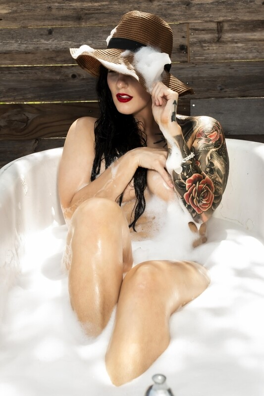 Heidi - Outdoor Bubble Bath