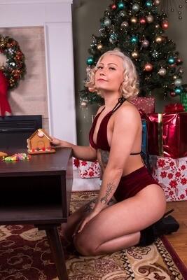 Miley Ash  - Traditional Christmas 2020